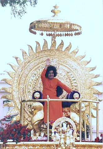 sai-babas-pure-gold-chariot.jpg