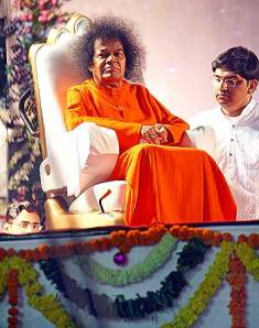 Sathya Sai Baba - the increasingly unsmiling guru, who defined a truly spiritual person as one who keeps smiling. (Hence the ubiquitous fake smiles which many so-called 'spiritual people' fake. Alas, though they fake it, they don't make it